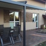 pergola a terasa na zahradě u domu woodplastic