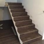 pokládka vinylové podlahy na schodiště