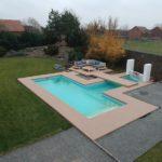 Dřevoplast-u-bazénu-woodparket