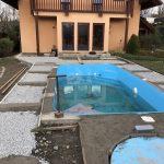 původní plocha kolem bazénu