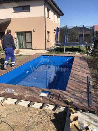 Terasa Authentic dřevoplast u bazénu