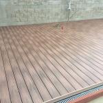 wpc terasa v ploše u bazénu mountfield