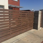 dřevoplatsová plaňka na plot